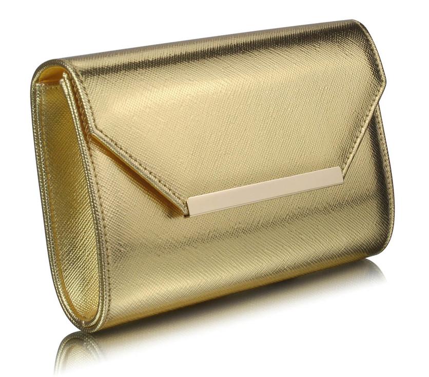 f60e9cec8a O niečo riskantnejšou možnosťou je výber kabelky v kontraste s outfitom. V  tomto prípade doporučujeme voliť k jednoduchým šatám výraznú listovú kabelku  a k ...