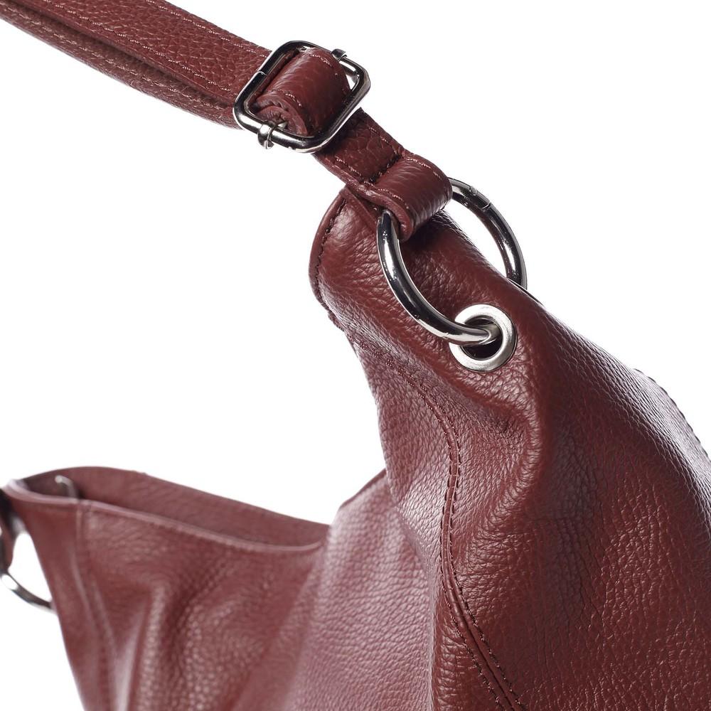 6dd1f06a8d1ec ... Dámska kožená prešívaná kabelka cez rameno vínová - ItalY Achlys ...